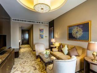 11 BR – Hotels: Ezdan Palace Hotel